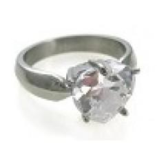 Кольцо медсталь с кристаллом в оправе