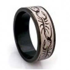 Кольцо медсталь черное с рисунком - скорпионы
