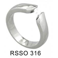 Кольцо медсталь тонкое с кристаллом